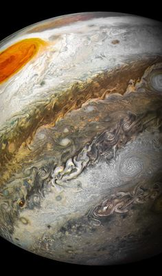 NASA's $1 billion Jupiter probe just sent back majestic new photos of the giant planet and its Great Red Spot