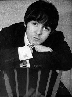 oh how I love Paul McCartney....... <3