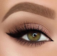 How To Get Amazing Eye Makeup Look For Green Eyes – Beauty Make up Styles Makeup Looks For Green Eyes, Makeup Eye Looks, Blue Eye Makeup, Smokey Eye Makeup, Skin Makeup, Eyeshadow Makeup, Green Eyes Makeup, Eyeshadow Palette, Foil Eyeshadow