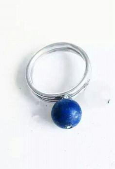 anillo solitario piedra redonda