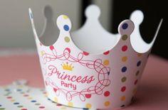 Papp-Krone basteln-Kindergeburtstag Ideen für Prinzessinnen-Deko und Mitgebsel