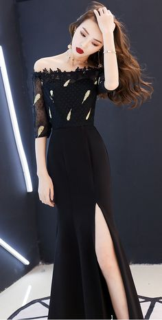 Beautiful Elegant Long Black Lace Maxi Gown Dress Long Strapless Off Shoulder With Side Slit, Sleeves and Thigh Split Long Gown Elegant, Elegant Dresses For Women, Stunning Dresses, Beautiful Outfits, Maxi Gowns, Gown Dress, Black Gowns, Asian Ladies, Lace Maxi