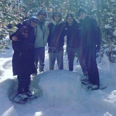 The XMC and GWN family is celebrating Family Day long weekend with a winter  day out! #snowshoeing #thornbury #freespirittours