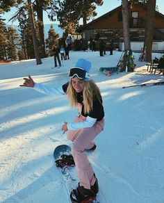 Summer Mckeen, Snowboard Girl, Snowboarding Outfit, Ski Season, Snow Skiing, Winter Pictures, Photo Instagram, Winter Fun, Plein Air