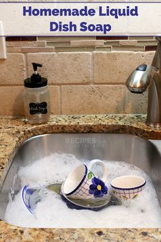 Liquid Dish Soap – Recipes with Essential Oils Liquid Dish Soap Hello everyone, Today, we have shown Recipes with Essential Oils Easy Cleaning Recipe for Homemade Liquid Dish Soap that works from RecipeswithEssent… Homemade Cleaning Products, Cleaning Recipes, Soap Recipes, Natural Cleaning Products, Cleaning Hacks, Cleaning Supplies, Basil Recipes, Cleaning Solutions, Household Products
