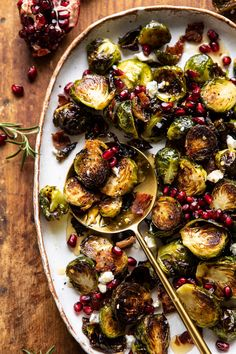 Roasted Bacon Brussels Sprouts…with salty, spicy honey + a little cheese too. Roasted Bacon, Roasted Sprouts, Side Dish Recipes, Dinner Recipes, Holiday Recipes, Dinner Ideas, Christmas Recipes, Fall Recipes, Christmas Dinner Menu