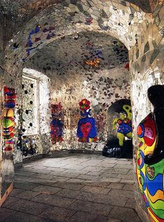 """Niki de Saint Phalle was a French-born artist and sculpturist. She is best know for her """"Tarot Gardens"""", her """"Shooting Paintings"""" and her Nana figures. Jean Tinguely, Friedensreich Hundertwasser, Tarot, Hanover Germany, San Diego, Art Sculpture, Wow Art, Outsider Art, Public Art"""