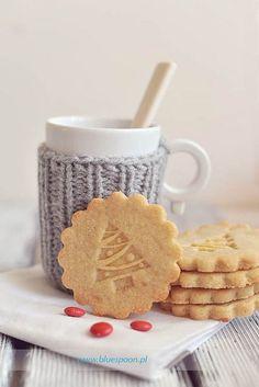 Hot chocolate & Cookies.