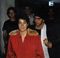 Beth Liebling (old love), Eddie Vedder and stuffed animal. Mookie Blaylock, Pearl Jam Eddie Vedder, Old Love, Chris Cornell, Choir, Good Music, Rock And Roll, Grunge, Image