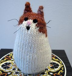 Free Pattern Brownie the Cat, A Knitted Cat Pattern