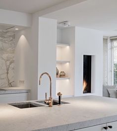 Wonderful contemporary kitchen with a fireplace Modern House Design Contemporary fireplace kitc kitchen Wonderful Interior Modern, Interior Design Kitchen, Interior Architecture, Modern Exterior, Scandinavian Interior, Küchen Design, House Design, Design Ideas, Design Color