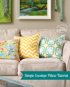 simple envelope pillow tutorial 2 at thehappyhousie Spring inspired DIY Easy Sewing Patterns, Easy Sewing Projects, Sewing Hacks, Sewing Tutorials, Sewing Crafts, Diy Projects, Sewing Ideas, Sewing Pillows, Diy Pillows