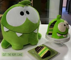 Cut the rope cake.