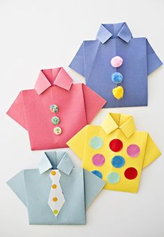Origami Shirt Father's Day Card- Origami Shirt Father's Day Card - Diy Origami, Origami Shirt, Origami Paper, Homemade Fathers Day Card, Fathers Day Crafts, Paper Crafts For Kids, Arts And Crafts, Bow Tie Template, Frog Crafts