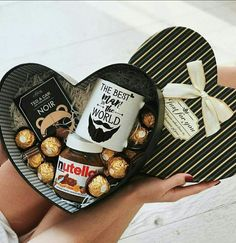 Gift Box Decor Ideas for Him this Valentines Day. # DIY Gifts box Gift Box Decor Ideas for Him this Valentines Day Diy Gifts For Him, Diy Gifts For Boyfriend, Birthday Gifts For Boyfriend, Valentines Bricolage, Valentines Diy, Valentines Baskets For Him, Diy Valentines Day Gifts For Him, Valentines Presents, Diy Gift Baskets