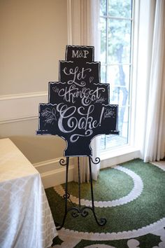 creative cake signage | Alyse French #wedding