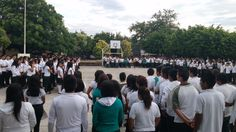 #P10SantaRosa30 fomenta actividades cívicas con Honores a la Bandera. #juventudcultayproductiva #SerBachillerEsUnOrgullo
