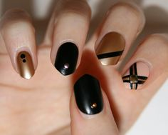 Pointy false nails Black and gold set of 20 by LaurasPills on Etsy, $13.00
