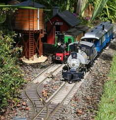 Love the water tower! A must to add to the train around the town N Scale Trains, Ho Trains, Model Trains, Garden Railings, Escala Ho, Garden Railroad, Model Train Layouts, Water Tower, Scale Models