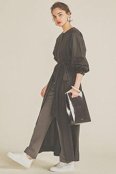Pin on 服装 Pin on 服装 Fashion Days, Daily Fashion, Love Fashion, Spring Fashion, Fashion Beauty, Womens Fashion, Fashion Design, Modest Fashion, Hijab Fashion