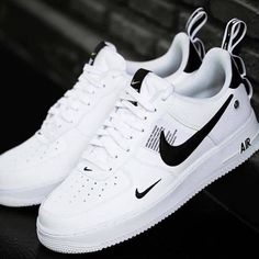 Uploaded by Find images and videos about nike, shoes fashion wishlist and style moodboard theme on We Heart It - the app to get lost in what you love. Nike Air Shoes, Sneakers Nike, Tumblr Sneakers, Nike Shoes Outfits, Nike Trainers, Mens Trainers, White Sneakers, Sneakers Fashion, Fashion Shoes