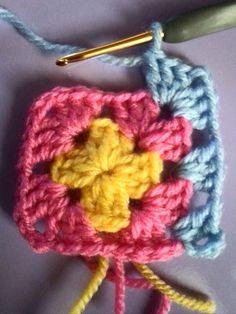 Friendship Bracelets, Lana, Crochet Necklace, Diy Crafts, Fashion, Crochet Designs, Moda, Fashion Styles, Make Your Own