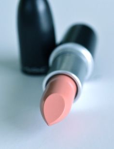 Mac 'Hue' literally the prettiest nude pink I have such a natural nude lip color Perfect Makeup, Pretty Makeup, Love Makeup, Makeup Tips, Beauty Makeup, Hair Beauty, Makeup Hacks, Just Beauty, All Things Beauty