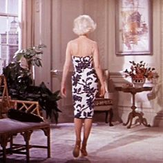 "andantegrazioso: ""How to make an entrance 
