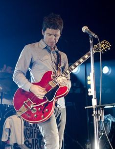 Oasis 1991 - ∞ Noel Gallagher, Rock N Roll, Oasis, Concert, Guitar, Rock Roll, Recital, Rock And Roll, Festivals