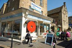 Jaffé & Neale Bookshop and Café (Chipping Norton - Cotswolds) - Oxfordshire, South East England - https://www.facebook.com/jaffeandneale/ - https://en.wikipedia.org/wiki/Cotswolds