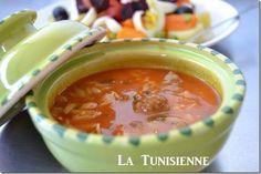 En langue arabe, le terme chorba désigne une soupe. La chorba est un plat de tous les jours en Tunisie, et cette soupe existe sous plusieurs variantes (au poisson, à la viande, aux légumes…). Le cé…