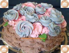 Pastel de 3 leches. Cubierta de Chantilly, relleno de moka. Tema: Canasta de Flores Relleno, Cake, Desserts, Food, Pastries, Baskets, Flowers, Tailgate Desserts, Deserts