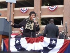 Aretha Franklin bust out with Change, Change, Change, in Detroit at the Labor Day celebration with President Obama Sept. Civil Rights Movement, Aretha Franklin, The Rev, Memphis, Obama, Detroit, Michigan, Presidents, Celebrities