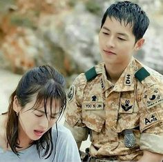 """""""Find someone who will stare at you like Big Boss stares to Beauty 😍 Korean Celebrities, Korean Actors, Descendants Of The Sun Wallpaper, Song Joong Ki Birthday, Soon Joong Ki, Decendants Of The Sun, Les Descendants, Sun Song, My Love From Another Star"""