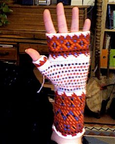 Crochet Codex: Vaasa, a.a Korsnäs Consolation Prize Fingerless Mitts, Tapestry Crochet, Crochet Clothes, Arm Warmers, Mittens, Sewing, Knitting, Shawls, Scarves