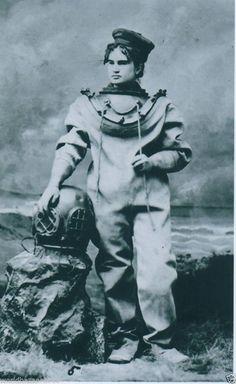 VICTORIAN STEAMPUNK DEEP SEA DIVING DIVER HELMET SARAH BERNHARDT OCEAN GOTHIC  #Vintage