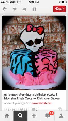 Alexis' s bday-girls+monster+high+birthday+cake Tortas Monster High, Bolo Monster High, Monster High Birthday Cake, Festa Monster High, Monster High Party, Cake Birthday, 7th Birthday, Birthday Ideas, Cupcakes