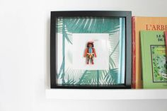 DIY : encadrez son Playmobil préféré ! - Frenchy Fancy Diy Tableau, Cadre Diy, Smart Tiles, Shadow Box, Decoration, Diy For Kids, Baby Kids, Nursery, Fancy