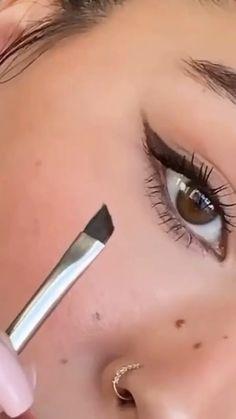 Edgy Makeup, Makeup Eye Looks, Eye Makeup Art, Natural Eye Makeup, Smokey Eye Makeup, Eyebrow Makeup, Simple Makeup, Skin Makeup, Eyeshadow Makeup