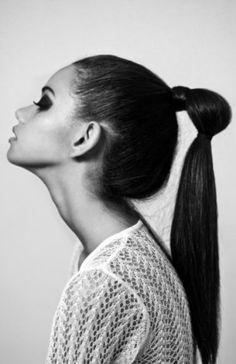 Pferdeschwanz mal anders: Haargummis raus