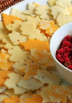 Autumn Leaf Wreath Cheese Platter -- Of course, just change up the shape of the cutters you use to each season and this becomes more versatile!