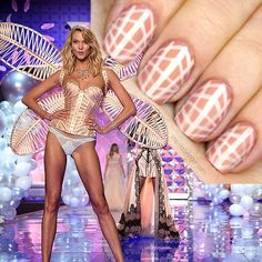 Victoria's Secret Fashion Show / Karlie