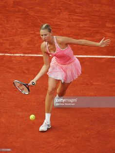 Maria Sharapova of Russia in action against Alicia Molik of Australia during day six of the French Open at Roland Garros on June 2006 in Paris, France. (Photo by Matthew Stockman/Getty Images) Tennis Humor, Tennis Funny, Maria Sharapova, Yuri, French Open, Tennis Players, Sport Girl, Paris France, Crushes