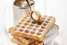 Belgické vafle - recept. Přečtěte si, jak jídlo správně připravit a jaké si nachystat suroviny. Vše najdete na webu Recepty.cz. Croissants, Cheesecake, Cooking Recipes, Baking, Breakfast, Food, Morning Coffee, Crescents, Cheesecakes