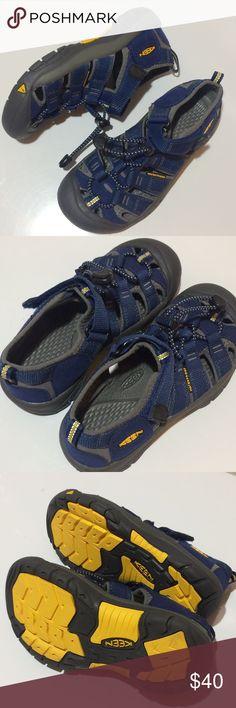 "NEW Keen Sandals NEW never worn Keen Newport H2 sandals.   •No box or tags.  •Deep navy blue color -- listed as ""Blue Depths/Gargoyle""  •See photos for detail! Keen Shoes Sandals & Flip Flops"
