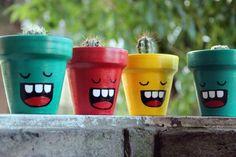 Paint a flower pot – 50 cool ideas! Flower Pot Art, Flower Pot Crafts, Clay Pot Crafts, Cactus Flower, Flower Pot People, Clay Pot People, Painted Plant Pots, Painted Flower Pots, Decorated Flower Pots