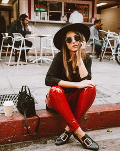 Alexandra Pereira in red patent leather pants // // #StreetStyle #OutfitOfTheDay