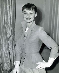 New post on allthroughthenightb Audrey Hepburn Quotes, Audrey Hepburn Style, Aubrey Hepburn, Beautiful People, Beautiful Women, Roman Holiday, British Actresses, Hollywood Actresses, Classy Women