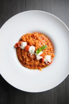 Risotto de tomates y mozzarella de bufala foto: Nicolás Santa María