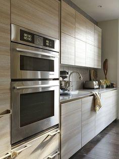 Modern and streamline kitchen